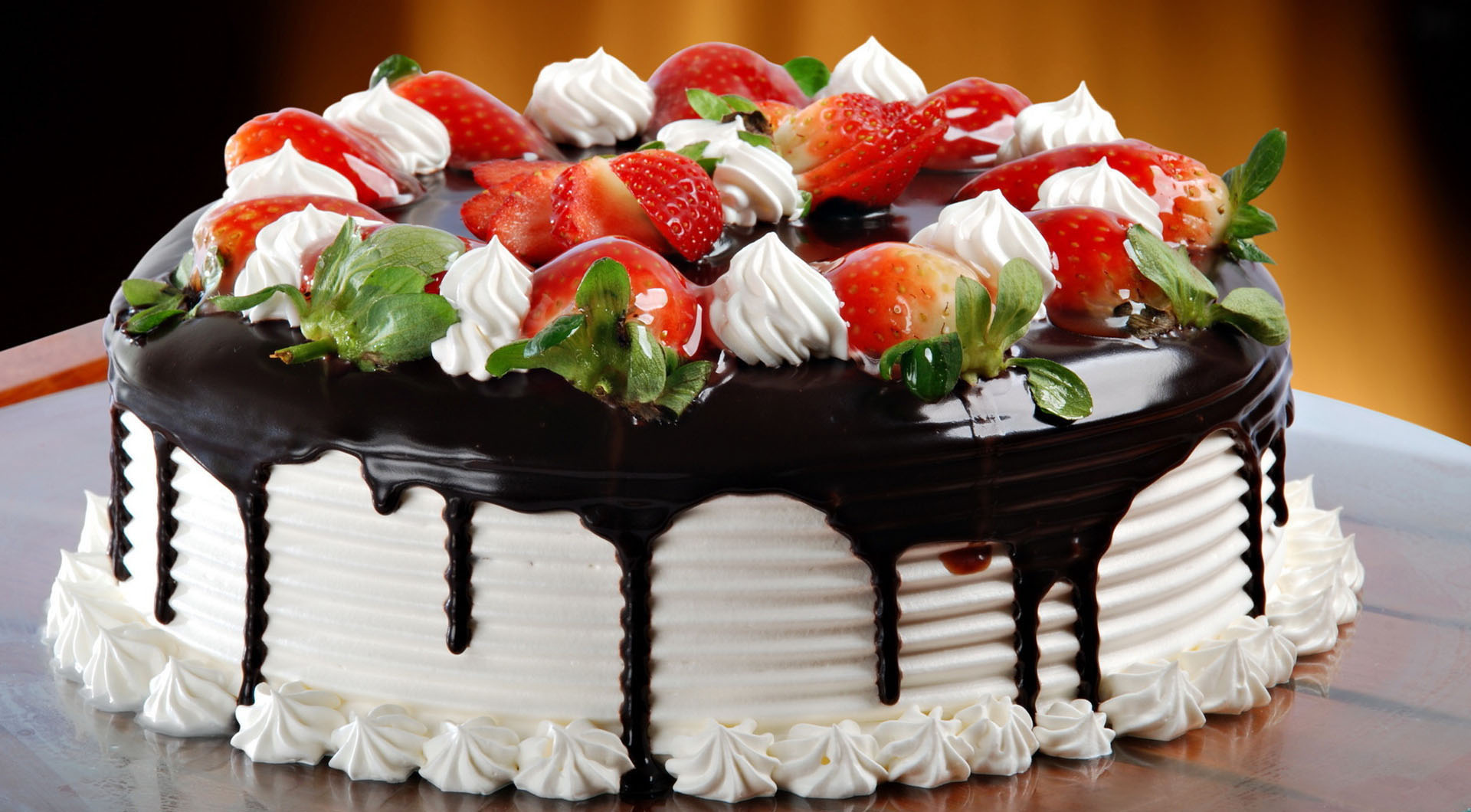 Best Happy Birthday Cake Wallpapers and Facebook Status
